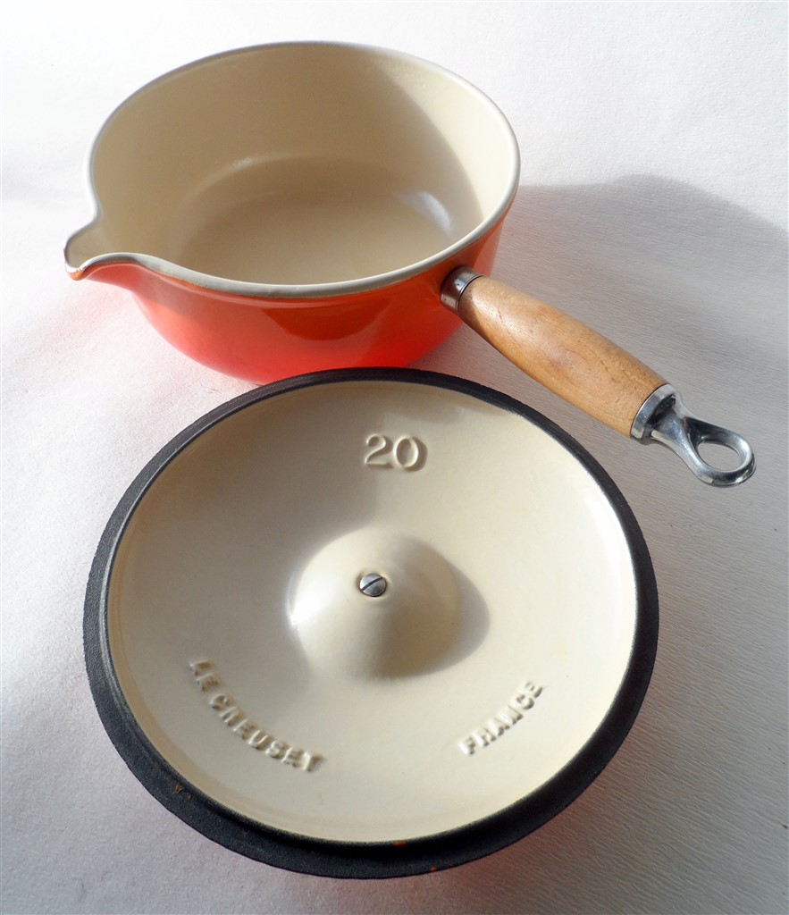 Criticising Vintage 29 france le creuset can suggest